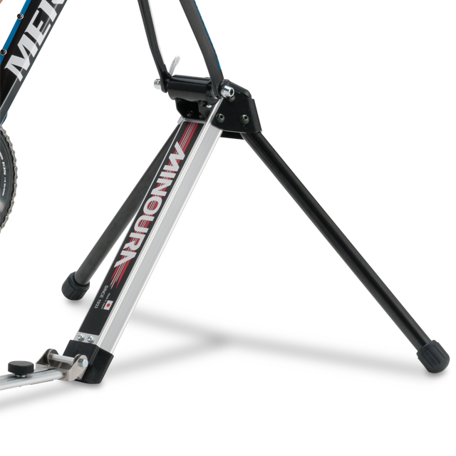 Minoura FG-220 Hybrid Roller Front Fork Mounted Trainer /& Roller Resistance Unit